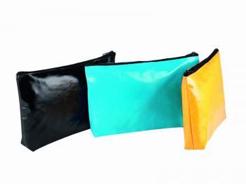 Voděodolná toaletní taška - zvětšit obrázek