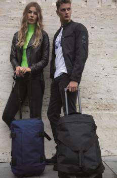 Taška na kolečkách s výsuvnou rukojetí - střední velikost